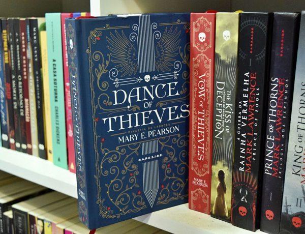 Dance of Thieves - resenha do livro de Mary E. Pearson